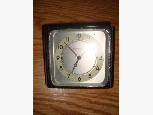 Square Forestyle Antique Clock - Excellent Condition! $5