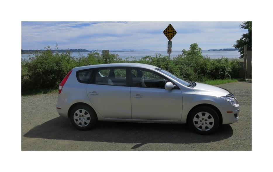 2011 Hyundai Elantra Touring Gl Hatchback Wagon Automatic Outside Victoria Victoria Mobile