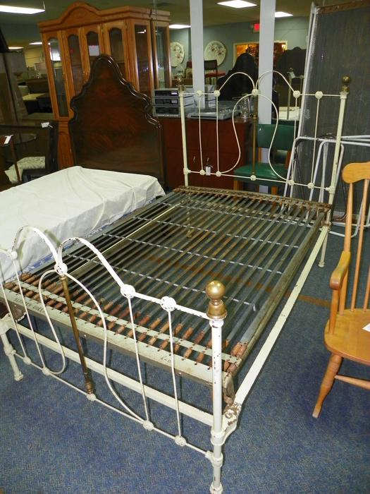 West Coast Resale Used Furniture Store Central Nanaimo Parksville Qualicum