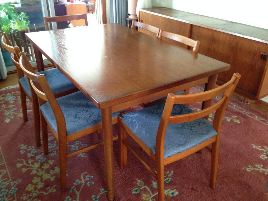 TEAK Dining Table and Chairs Saanich Victoria : 44607969934 from www.usedvictoria.com size 934 x 700 jpeg 95kB