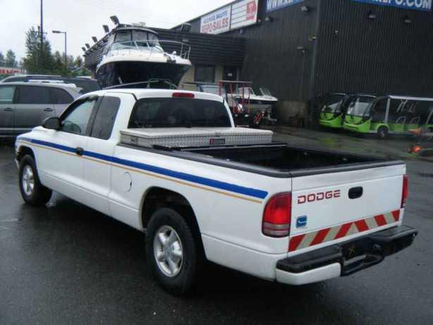 1998 dodge dakota club cab regular box 2wd outside. Black Bedroom Furniture Sets. Home Design Ideas