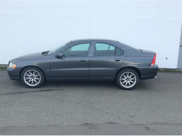 2005 volvo s60 2 5t awd leather loaded courtenay comox valley. Black Bedroom Furniture Sets. Home Design Ideas
