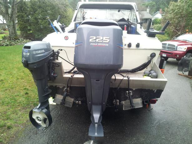 24 foot fiberform poded 225 yamaha four stroke reduced for 225 yamaha 4 stroke