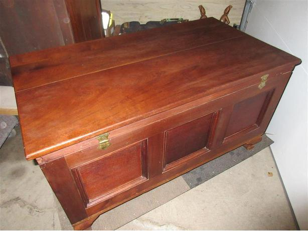 ESTATE 1900 WOOD HOPECHEST