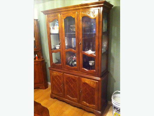 log in needed 150 dining room table and 6 chairs hutch