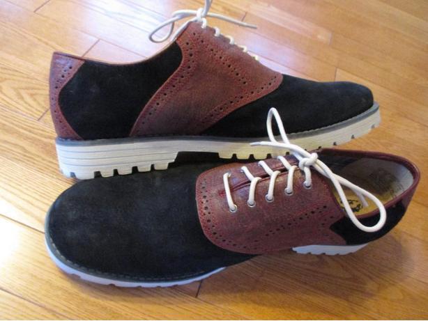 Men's Size 14 Lace-Up Hush Puppy Shoes