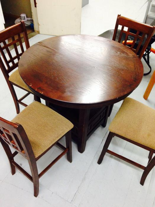 Needs to go quickly asap several pieces of good quality for Q furniture abbotsford