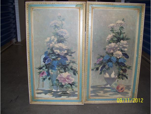 pair of blue vase & flowers