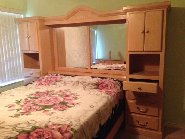 8pc Queen Size Soild Oak Wall Unit Bedroom Suite Must Sell Surrey Incl White Rock Langley
