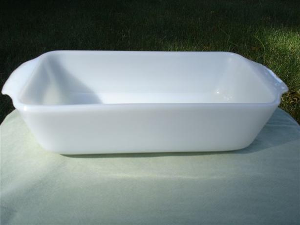 Mid Century Vintage Fire King Ovenproof 1 Qt. White Glass Loaf Pan*MINT*