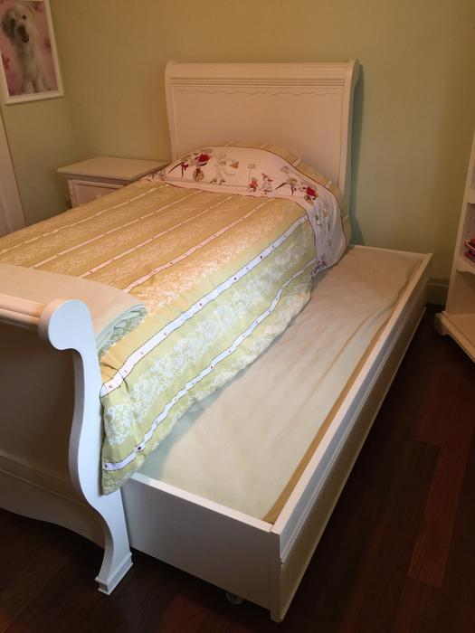 cafe kid twin trundle sleigh bed 1