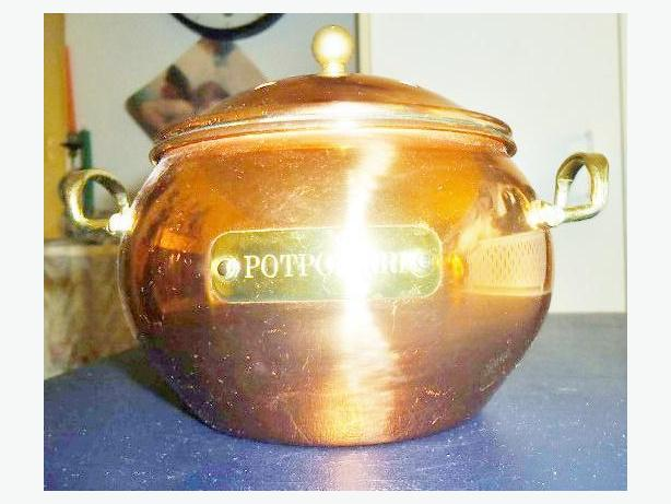 Copper Potpourri Pot with Lid and Hardware included