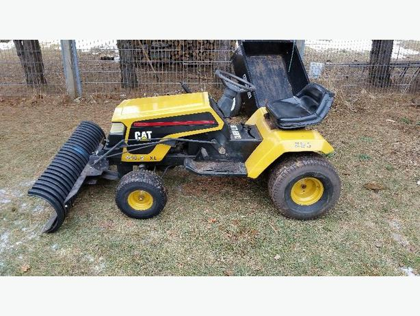 Garden Tractor Snow Plows : Ride on craftsman garden tractor with quot snow blade