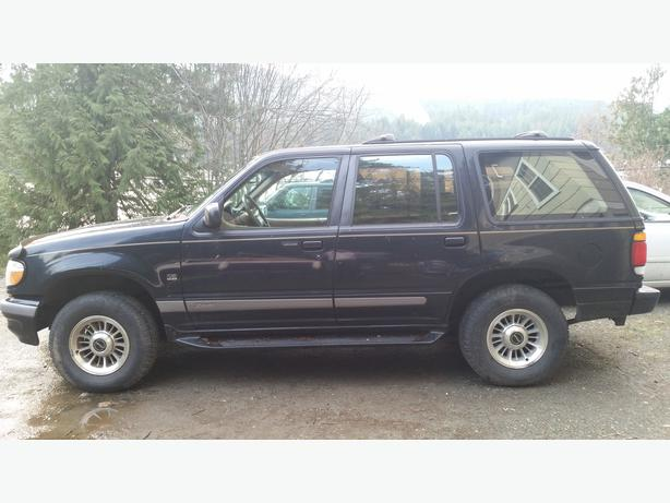 1996 ford explorer limited edition v8 awd fully loaded malahat including shawnigan lake. Black Bedroom Furniture Sets. Home Design Ideas