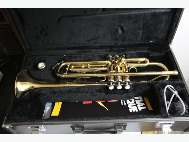 Yamaha ytr 2335 series student bb trumpet central nanaimo for Yamaha student trumpets