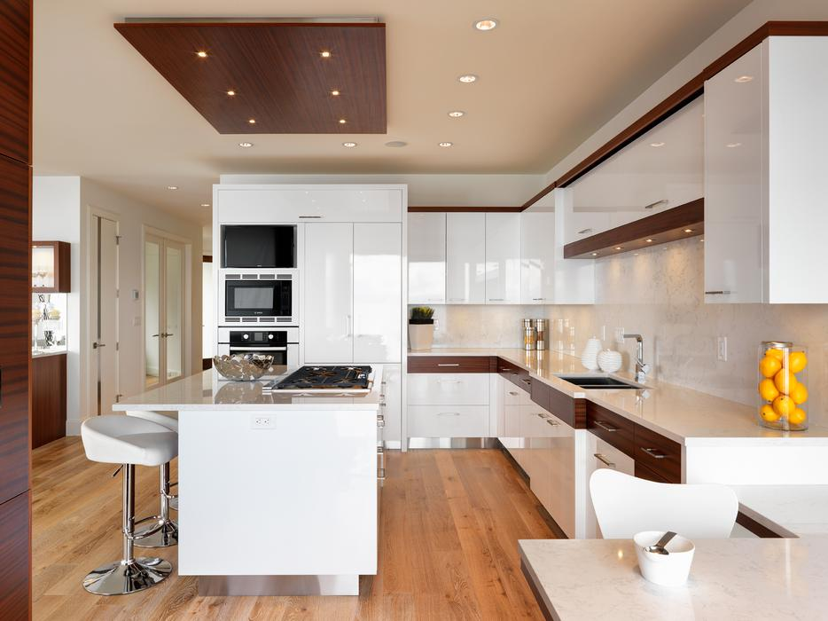 Experienced cabinet installers wanted victoria city victoria for Kitchen cabinets vernon bc