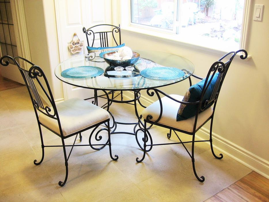 PRICE REDUCED BOMBAY CO WROUGHT IRON DINING TABLE 4 CHAIRS NO GLASS V