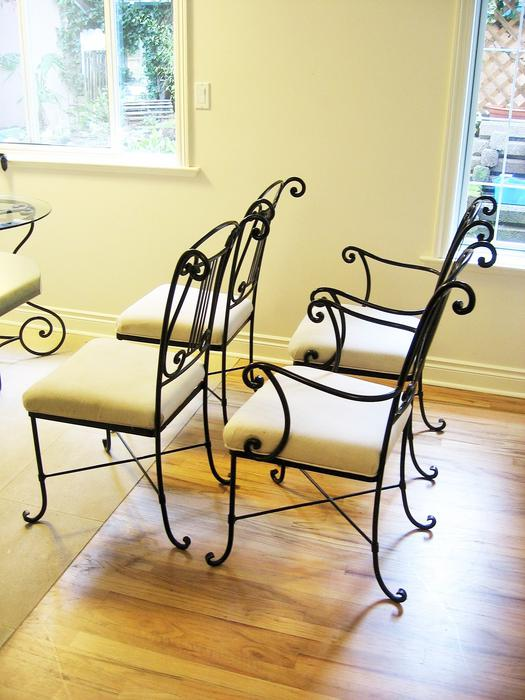 PRICE REDUCED BOMBAY CO WROUGHT IRON DINING TABLE amp 4  : 44753093934 from www.usedvictoria.com size 525 x 700 jpeg 58kB
