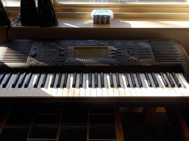 yamaha psr 630 keyboard work station 200 obo victoria. Black Bedroom Furniture Sets. Home Design Ideas