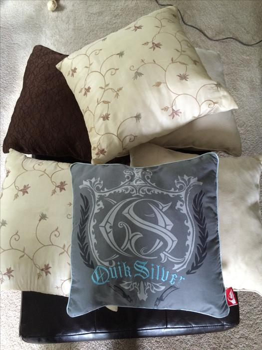 decorative pillows For bed or couch Oak Bay, Victoria