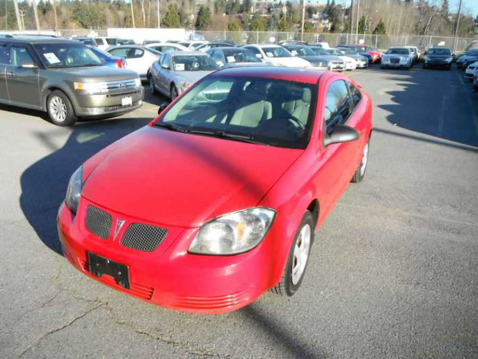 2008 pontiac g5 coupe outside comox valley courtenay. Black Bedroom Furniture Sets. Home Design Ideas