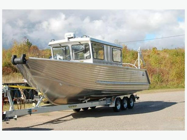 $198,800 · 28' Henley crew boat/water taxi - 12 passenger