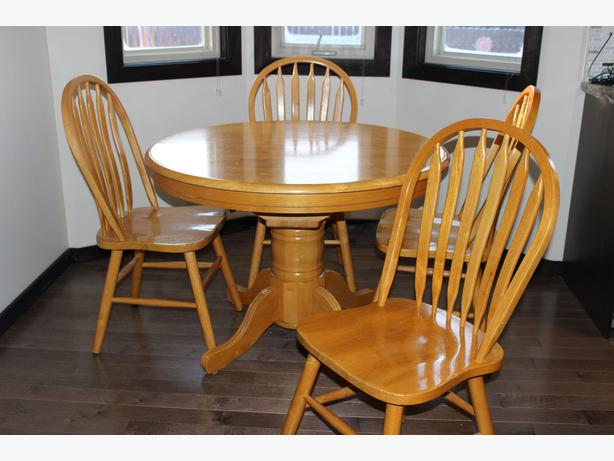 solid oak dining table with 4 chairs east regina regina