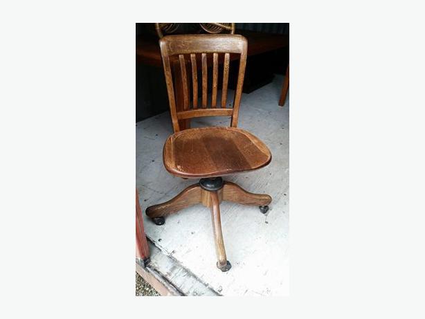 Antique Oak Office Chair (H.Krug Furniture Co.) Central