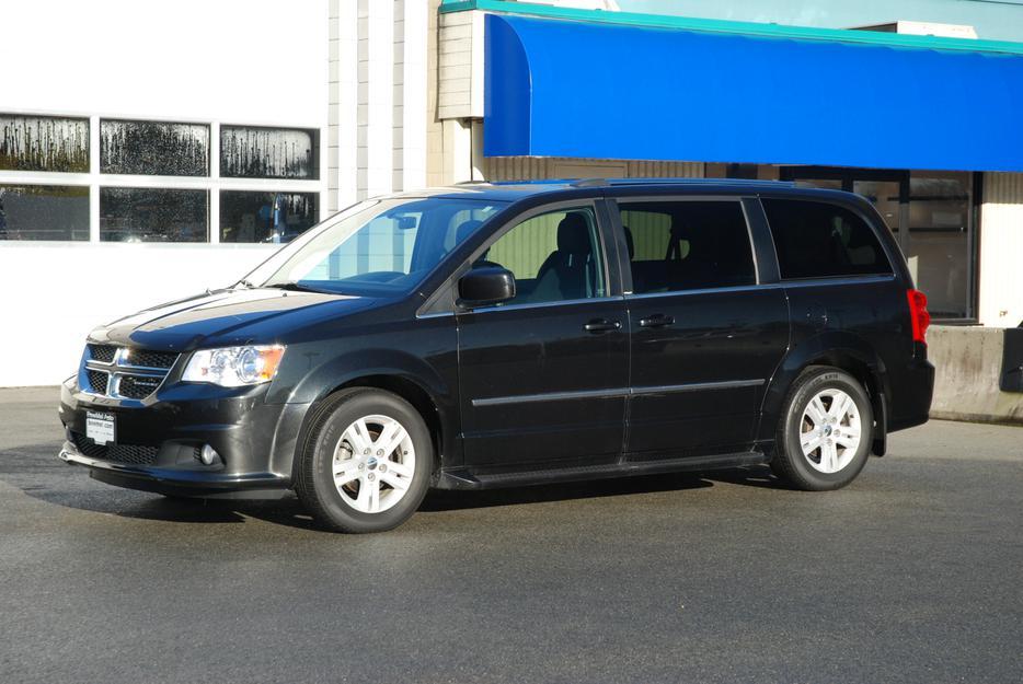 2011 dodge grand caravan crew outside comox valley courtenay comox mobile. Black Bedroom Furniture Sets. Home Design Ideas