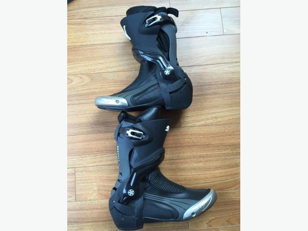 puma 1000 v2 boots