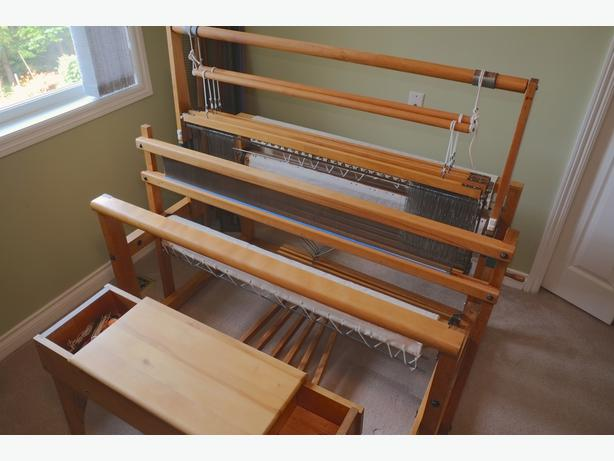 Weaving Floor Loom Amp Bench Nilus Leclerc 45 Inc Mira