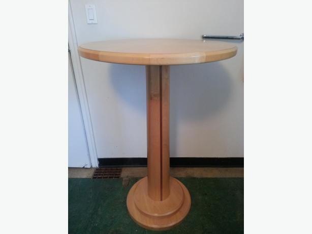 Solid Maple Table And Swivel Bar Stools Saanich Victoria