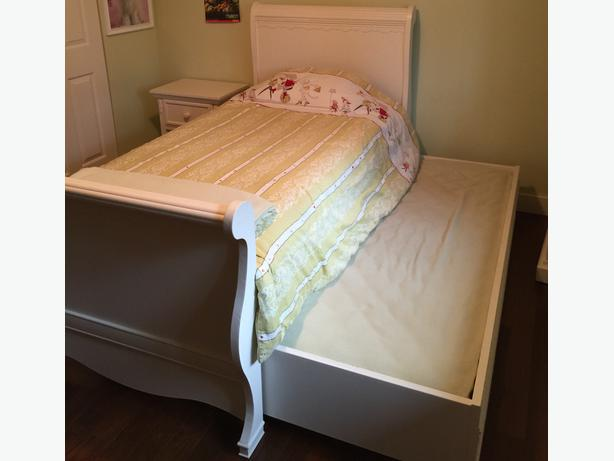 cafe kid sleigh bed 2