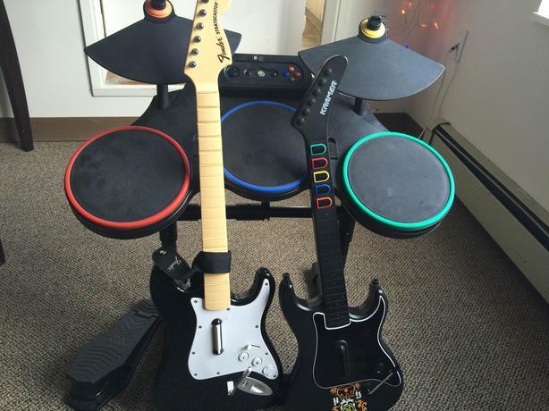 xbox 360 red octane guitar hero wireless drum set and 2 guitar set saanich victoria. Black Bedroom Furniture Sets. Home Design Ideas