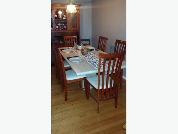 Italian Marble Dining Table Nepean Ottawa : 44972862614 from www.usedottawa.com size 614 x 461 jpeg 21kB