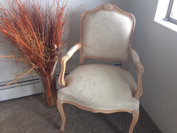 Chateau Dax Furniture Reviews: Chateau D'Ax Spa Chair Saanich, Victoria