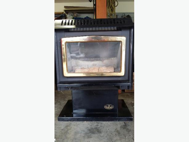 Stand alone Osburn gas fireplace. Doesnt need electricity to operate ...