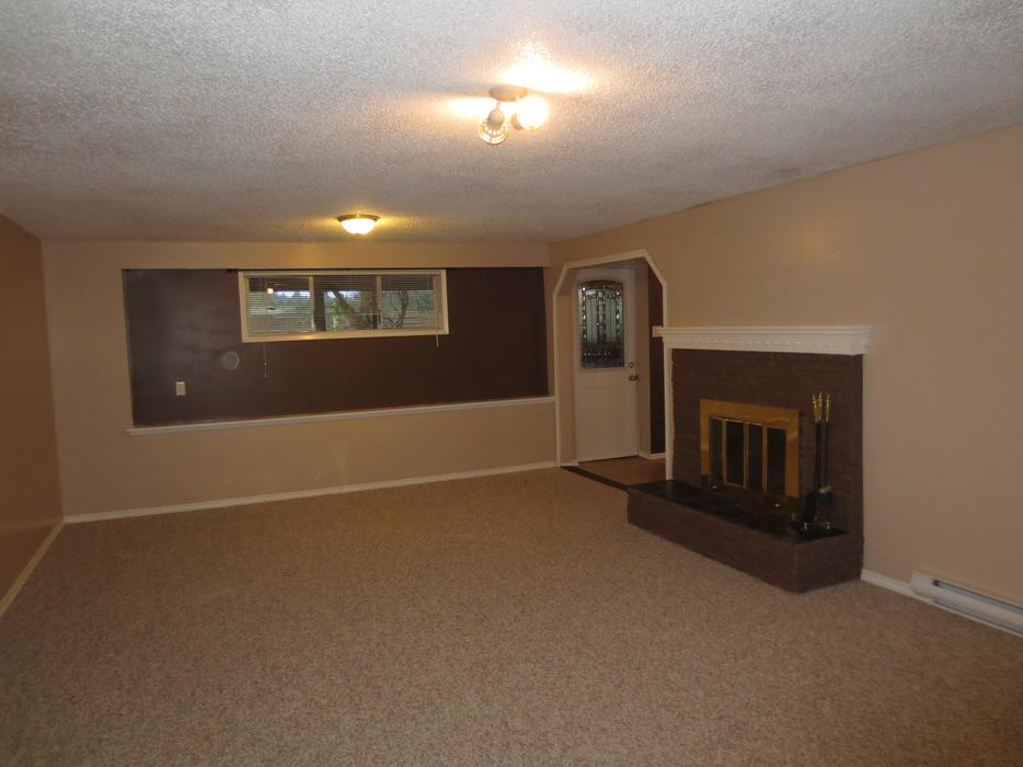 Large one bedroom suite for rent central saanich victoria mobile for 1 bedroom basement for rent in prince george