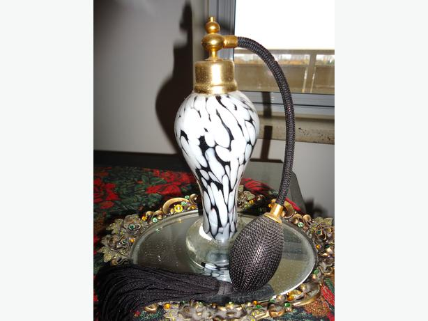 Perfume Bottle Atomizer - Black & White Blown Glass
