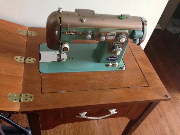 sewing machine that does embroidery