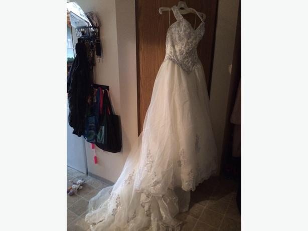 Alfred sung wedding gown west shore langford colwood for Used wedding dresses victoria bc