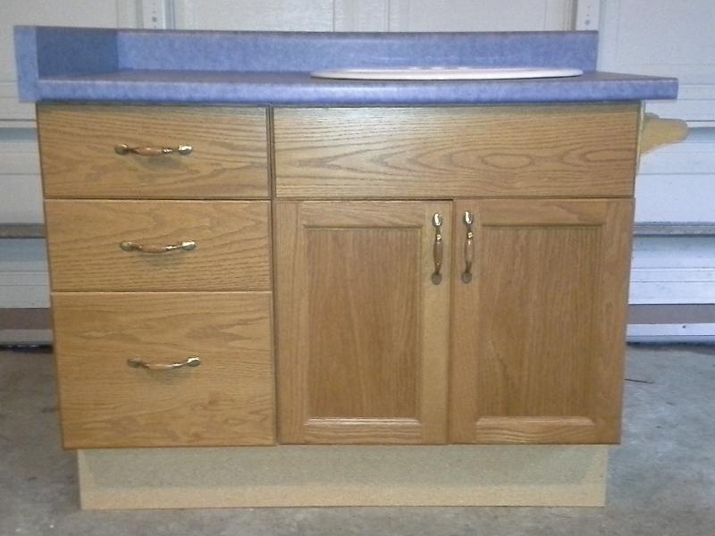 Bathroom vanity cabinets black creek comox valley for Bathroom cabinets nanaimo