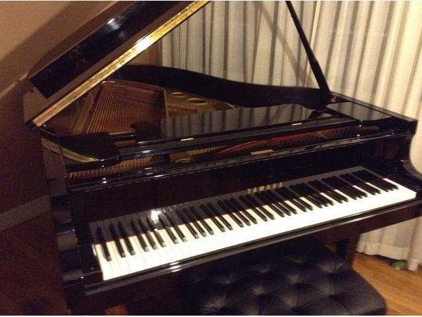 Yamaha 6 39 1 grand piano model g3 victoria city victoria for Yamaha piano store winnipeg