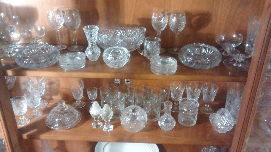 gl bowl vases for sale with Pin Wheel Crystal 24038864 on Id F 542497 together with Pin Wheel Crystal 24038864 further Princess House Heritage Retired Rare likewise Id F 5109953 besides Milk glass.
