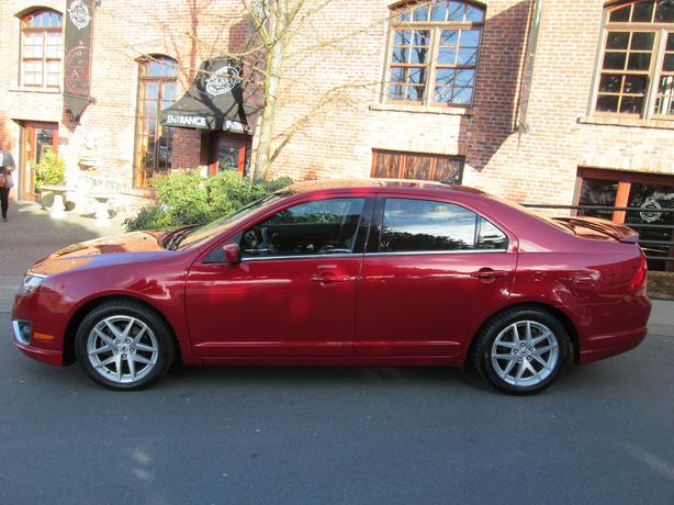 2010 ford fusion sel local vehicle outside cowichan valley cowichan. Black Bedroom Furniture Sets. Home Design Ideas