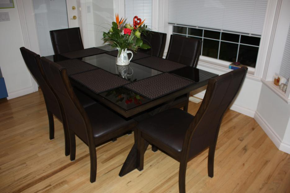Kitchen Dining Room Table And 6 Chairs Saanich Victoria