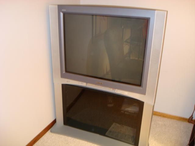 Sony Wega Trinitron Flat Screen TV And Stand South Regina