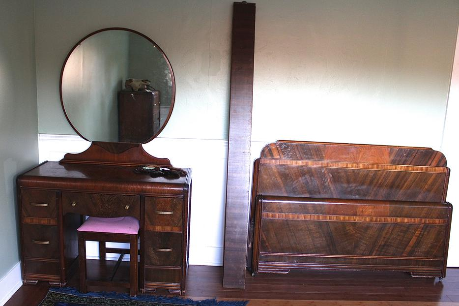 antique 1950s waterfall bedroom set courtenay courtenay