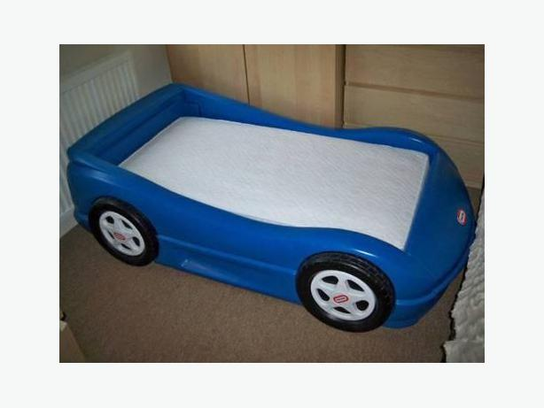 Little tikes car bed with mattress and slat for toddler. Little tikes car bed with mattress and slat for toddler Victoria