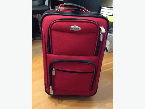 vip bags vs american tourister American tourister and vip have been going head-to-head over the past couple of decades as popular luggage brands they both have had their fair share of ups and.